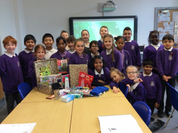 4L get into the true spirit of Christmas!