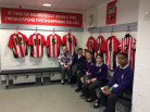 Year 6 Buzz Off to Griffin Park